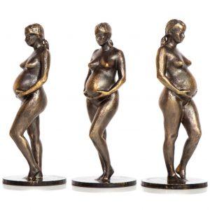 ZK-MEDIEN ‣ Babybauch als bronzierte Figur